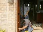 про установку дверных конструкций