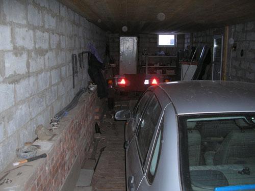 Вид гаража со стороны ворот