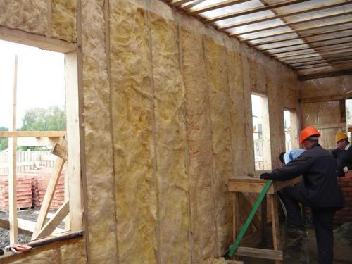 монтаж теплоизоляции каркасного дома