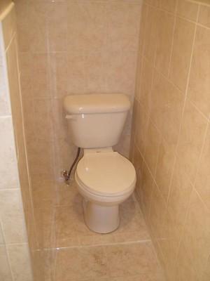 очень маленький туалет