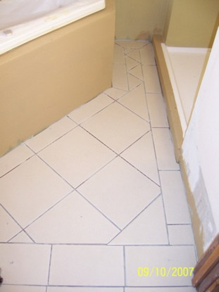 стена между ванной и туалетом