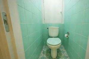 задняя стенка в туалете